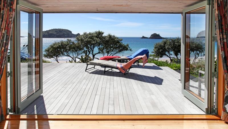 Front-door View - Absolute Hahei Oceanfront - Hahei - rentals