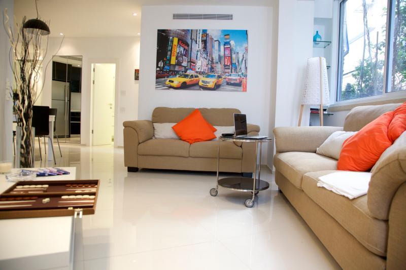 Luxury & Quiet on the beach - Image 1 - Tel Aviv - rentals