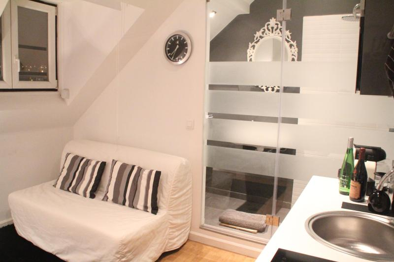 New Flat In The Heart Of Lisbon - Image 1 - Lisbon - rentals