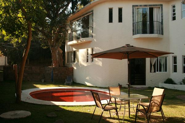 Beautiful garden with solar energy heated pool. Hermoso jardín con alberca calentada con energía solar. - Beautiful New House with Pool - Cuernavaca - rentals