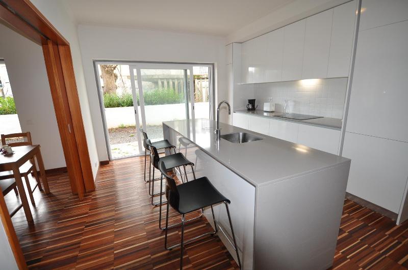 Splendor  Apartment-10 Minutes Walk From The Beach - Image 1 - Cascais - rentals