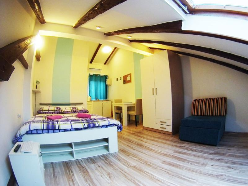 CroParadise Pink Studio Apartment - Image 1 - Split - rentals