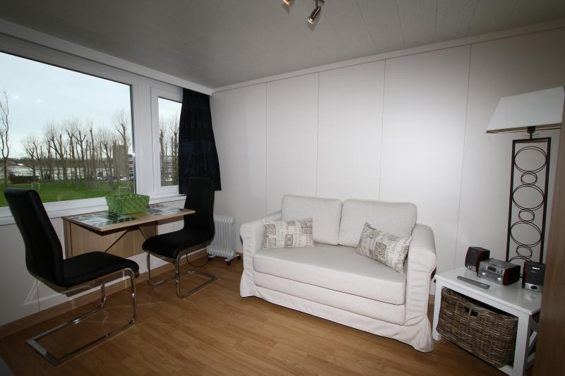 Holiday studios Belgian coast in vacation resort P - Image 1 - De Haan - rentals