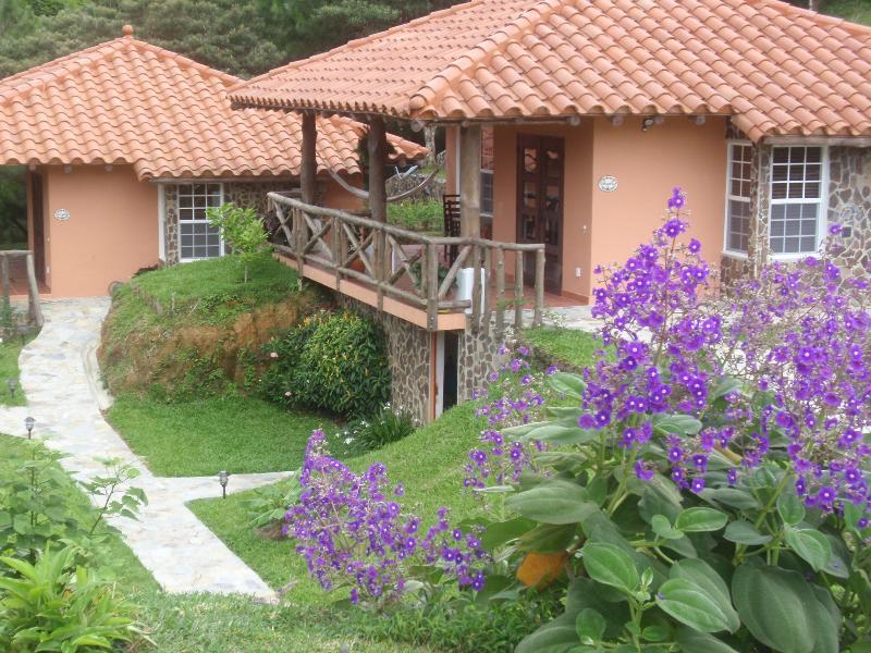 The Cabins - Casa Bermuda, Altos del Maria, Panama - Thruppence - Sora - rentals