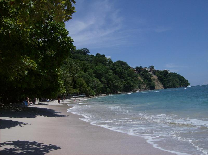 PLAYA BLANCA BY PUNTALEONA 20 MINUTES FROM VIALLA TICA - Spacius 4 Bedroom Villa Only Minutes From The Beach - Puntarenas - rentals