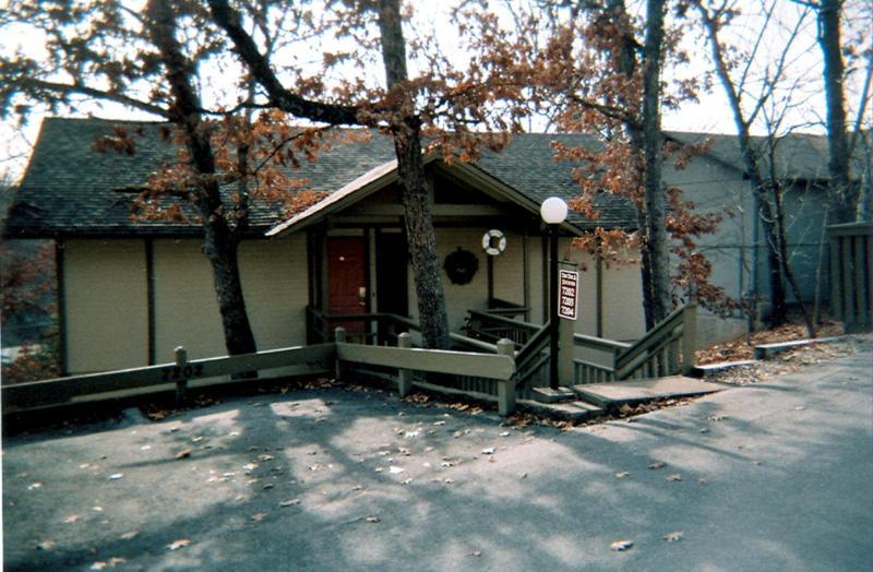 Front of House - Tan-Tar-A Estates Retreat w/Hot tub & Boat Slip - Osage Beach - rentals