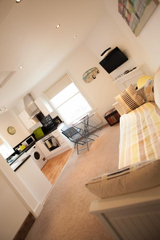 Heene Terrace Studio - Beautiful Heene Terrace beach studio - Worthing - rentals