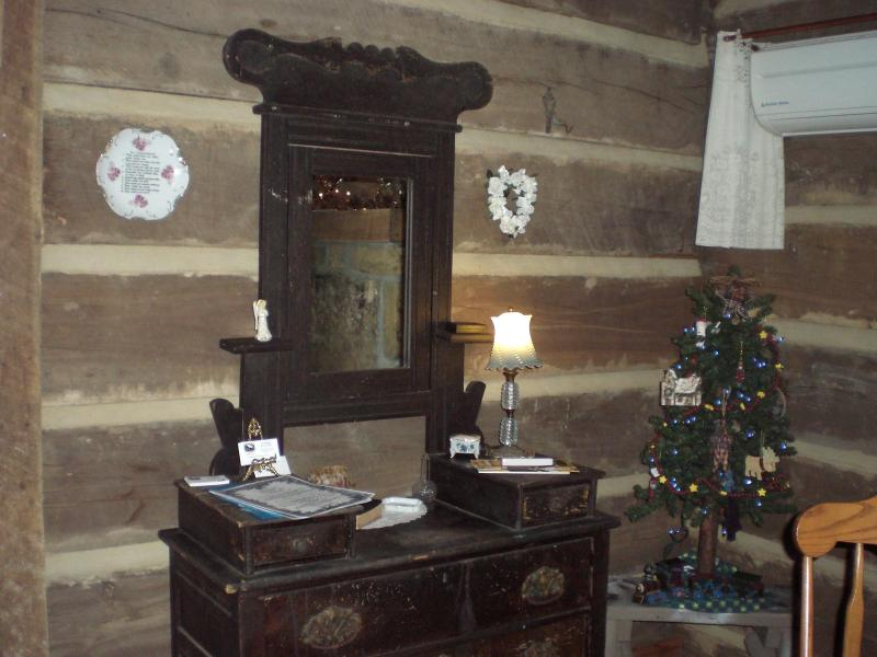 The Cardwell Cabin - Image 1 - Madisonville - rentals