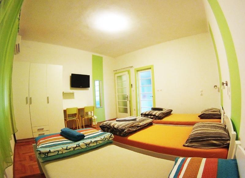 CroParadise Light Green Apartment - Image 1 - Split - rentals