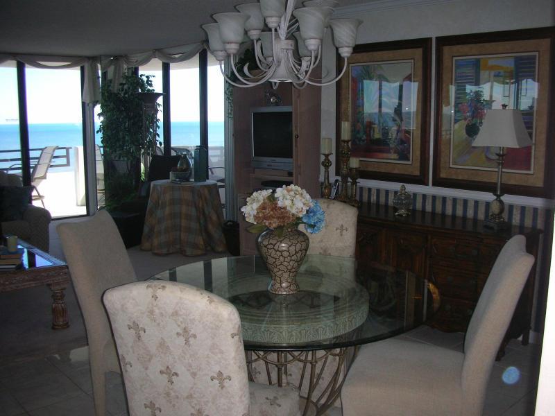 Welcome to paradise! - Fabulous Oceanfront Beach Condo with Marvelous Vie - Daytona Beach - rentals