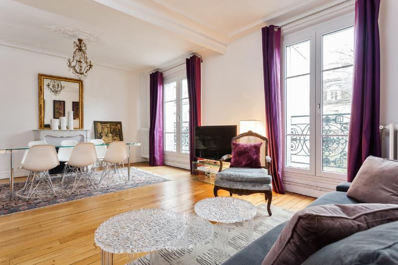 Living room - Very chic apartment close to the Sacré-C?ur - Paris - rentals