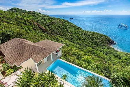 Ocean view Bayamo villa with pool & separate bungalows for ultimate privacy - Image 1 - Colombier - rentals