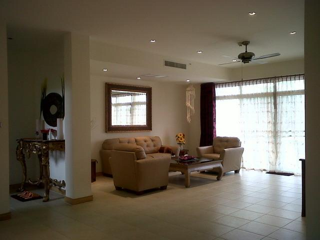 Comfortable pure leather seating and relaxing area - Entire home- at SHERATON / BLUE LAGOON Huahin - Hua Hin - rentals