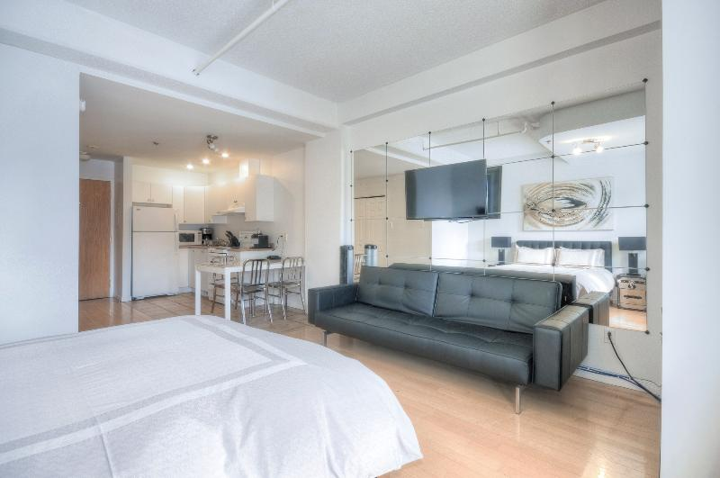 Le Loft on The Main (Heart Of Montreal) - Image 1 - Montreal - rentals