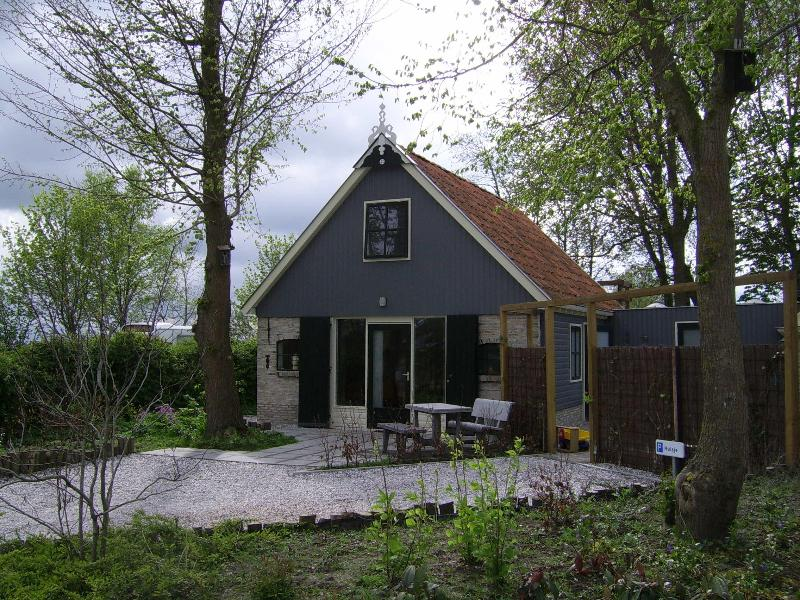 Cosy holiday home in Friesland, near Wadden Sea - Image 1 - Groningen - rentals