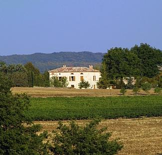 Gauginelles - Lovely white stone country house in vineyard region of Southern France ~ Gatehouse - Montels - rentals