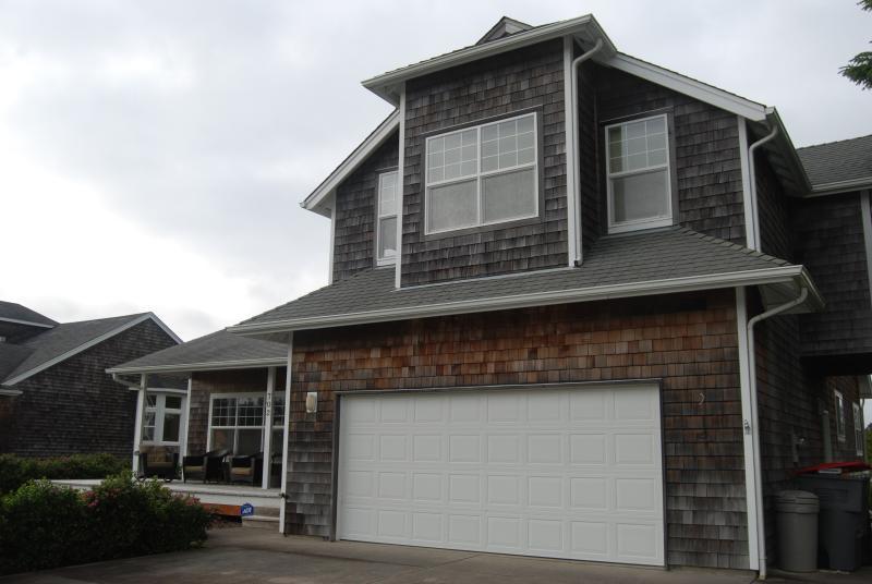 Front Exterior - Gearhart Beach Home - Comfortable Family Getaway - Gearhart - rentals