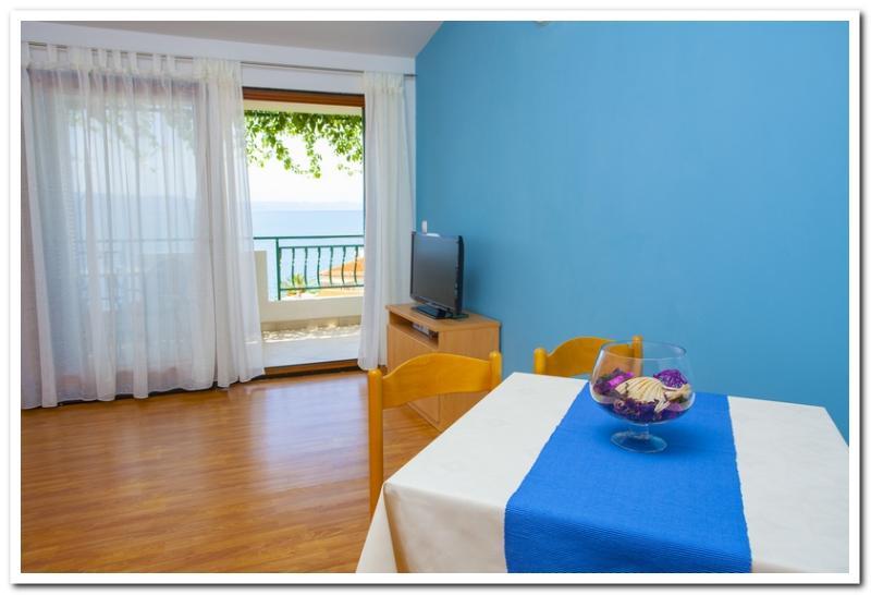 Apartmani Kunac: Apartment 1 - Image 1 - Podgora - rentals