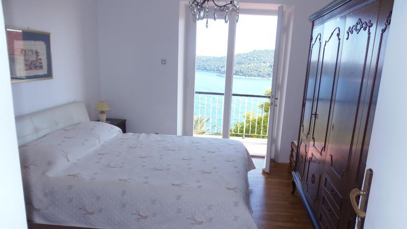 Bedroom 1 - Apartment across Argentina hotel -Dubrovnik - Dubrovnik - rentals