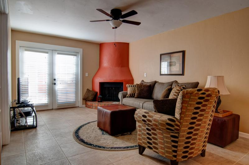 Old Town Scottsdale 2 bedroom condo - Image 1 - Scottsdale - rentals