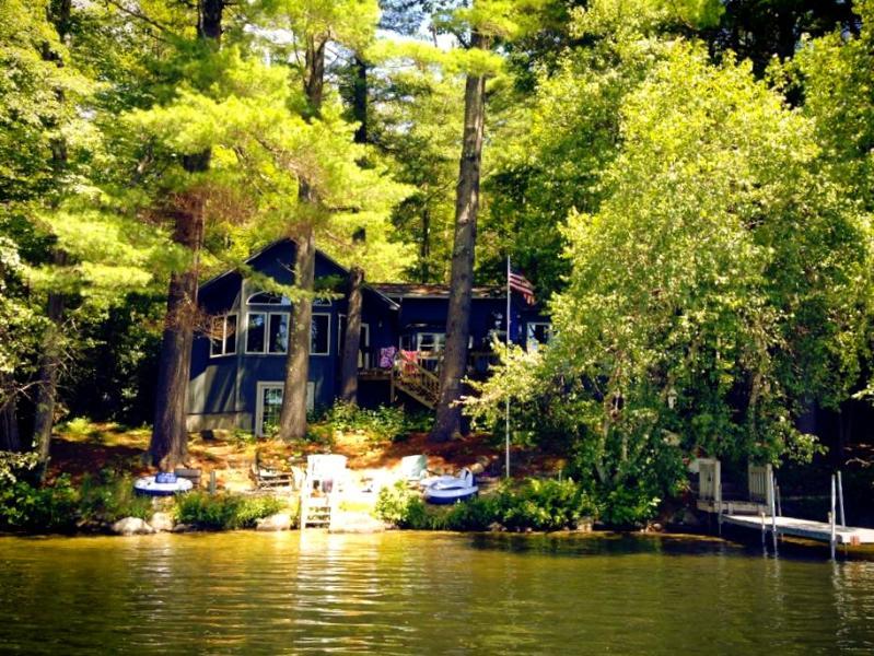 Pet-Friendly Lakefront Retreat for All Seasons - Image 1 - Moultonborough - rentals