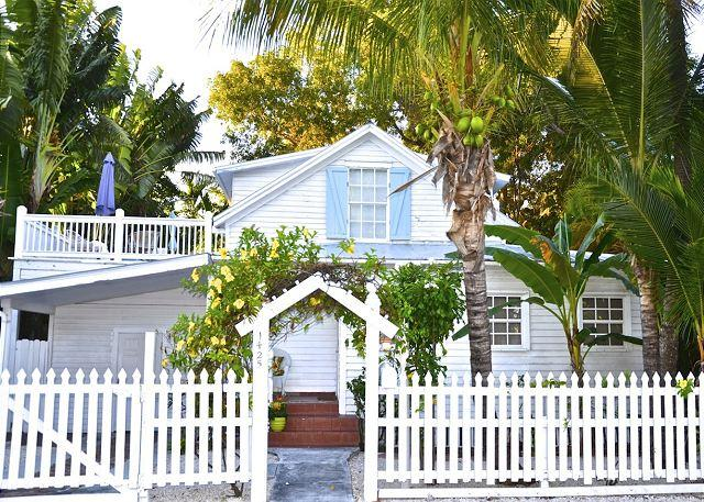 """BEACH CLUB BREEZE""  Monthly Rental - Two Story Home w/ Sun Deck & BBQ Grill - Image 1 - Key West - rentals"