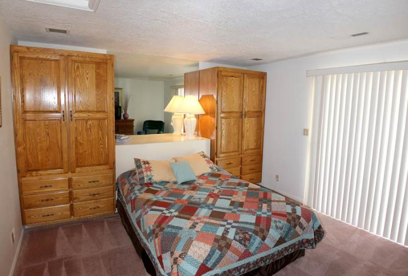 1639 - 1 Bed 1 Bath Standard - Image 1 - Saint George - rentals