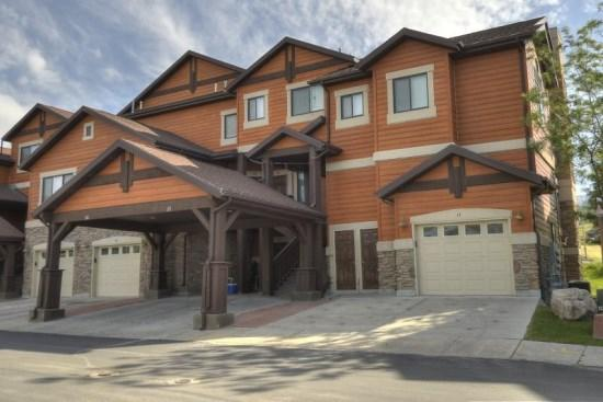 Snowbasin South View Huntsville Condo | Luxury 1 Bedroom | Lakeside Unit 21A - Image 1 - Huntsville - rentals