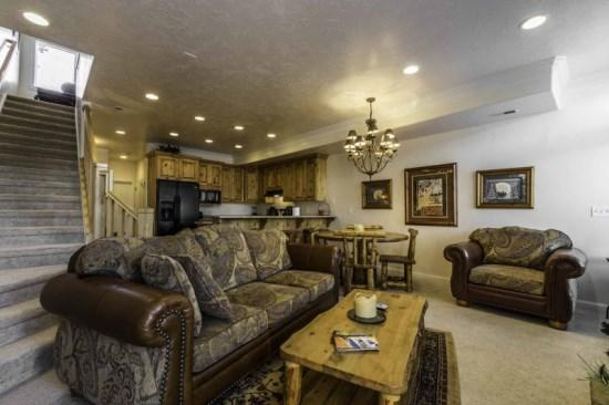 Snowbasin View | Luxury 1 Bedroom | Lakeside Unit 33A - Image 1 - Huntsville - rentals