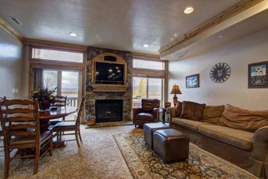 Lakefront Huntsville Condo   Luxury 2 Bedroom   Lakeside Unit 57 - Image 1 - Huntsville - rentals