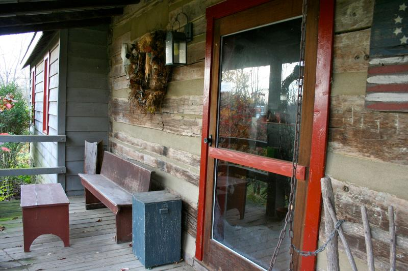 Front Porch - Log Cabin in the Bluegrass, 30 day minimum - Danville - rentals