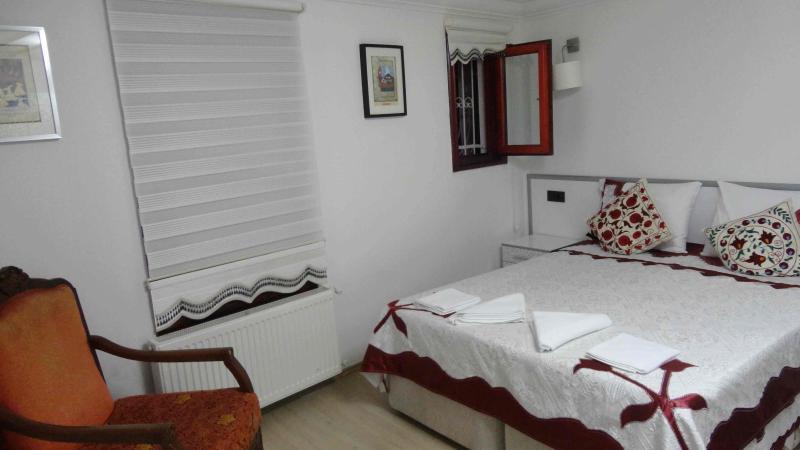 Master bedroom - Sultanahmet Ottoman Suite House - Istanbul - rentals