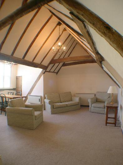 Living Room - Canterbury City -  St. Peters Street - 1 Bedroom - Canterbury - rentals