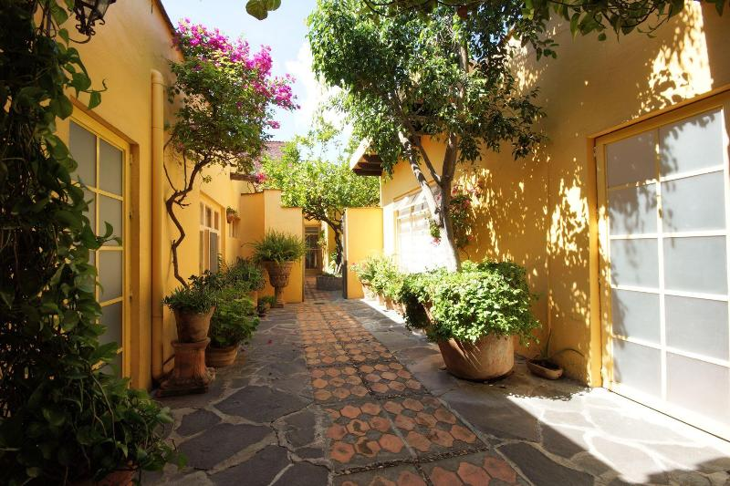 Las Casitas Apartment 3 - Image 1 - San Miguel de Allende - rentals
