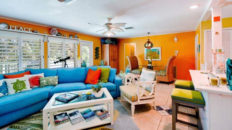 Living Room - Simpatico: 2BR Pet-Friendly Canal Home with Kayaks - Anna Maria - rentals