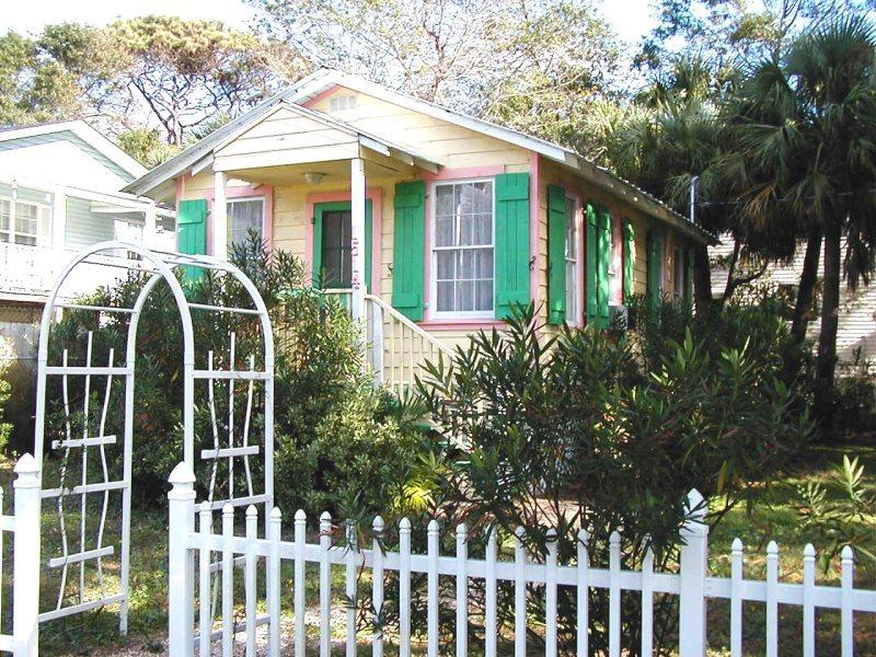 Bright and festive, this classic Tybee Cottage is perfectly located away from the busy main streets but close to Downtown Tybee. - #1514 2nd Avenue - Sunburst Cottage - Small Dog Friendly - Tybee Island - rentals