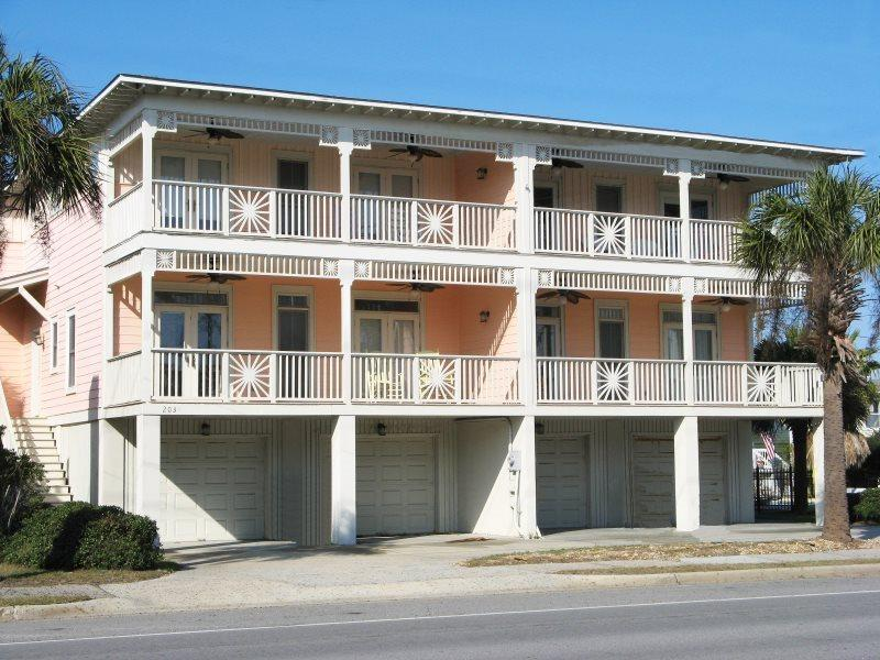 Luxurious appointments, king size beds throughout,less than 100 yards to the beach and a swimming pool make this unit ideal for a family vacation - 203-A Butler Avenue - Enjoy the Ocean Breezes and Sounds of the Surf - Swimming Pool - FREE Wi-Fi - Tybee Island - rentals