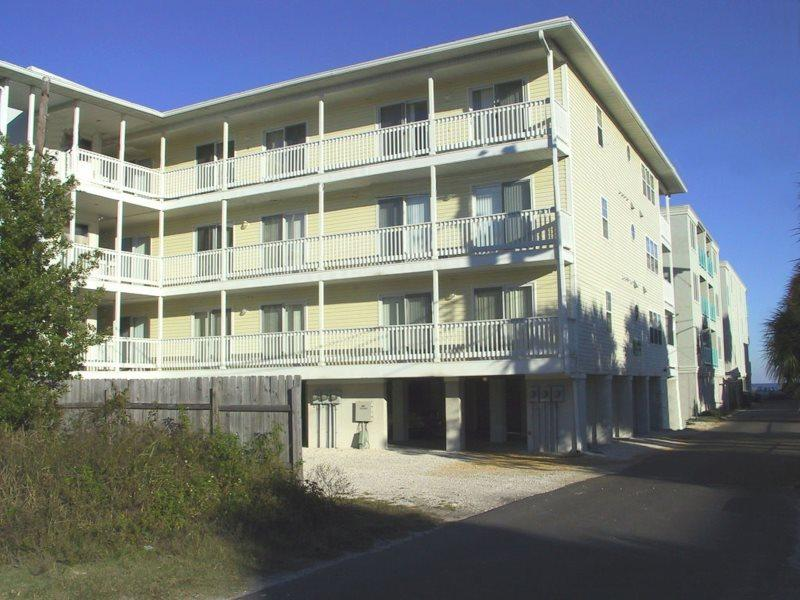 Located off the busy streets, youre only steps from all the action, South Beach, the Pier and Pavilion, the Marine Science Center, shops and dining - Boylston Place Condominiums - Unit 1 - Just Steps Away from All the Action - Tybee Island - rentals