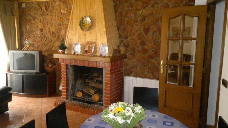 salon - Casa Rural la Fusteria - Alcampell - rentals