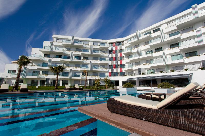 Luxury 3 bedroom apartment with a large pool - Image 1 - Colakli - rentals