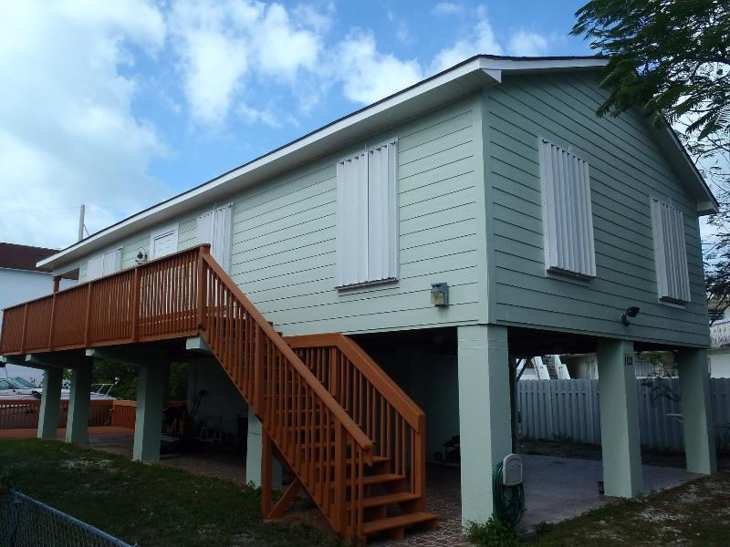 Our home: never rented prior Dec 2012. New paint, restored wood deck and porch. - Bliss in the Florida Keys - Long Key - rentals