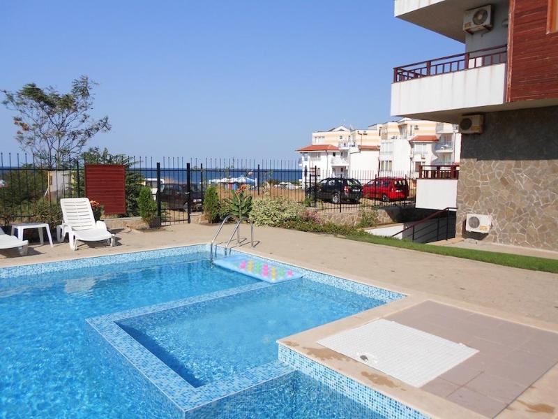 Pool with sea view - Apartment in small complex with pool and by beach - Sozopol - rentals