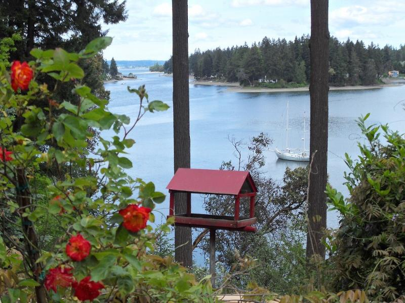 Oyster Bay - Elegant Waterfront Manor with Private Beach! - Seattle - rentals