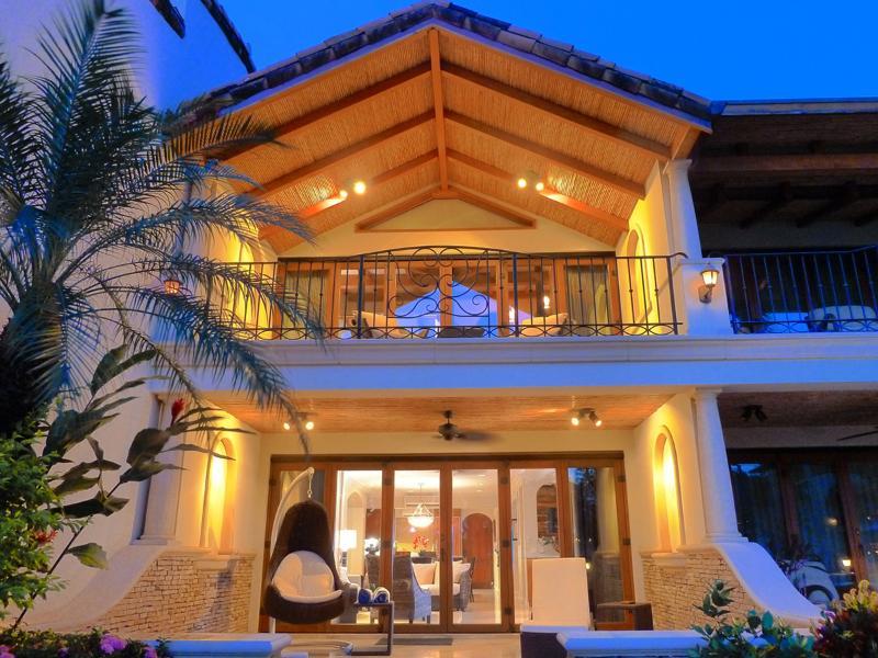 Front view of Villa from main garden. - Spectacular Beachfront Villa on Flamingo Beach! - Playa Flamingo - rentals
