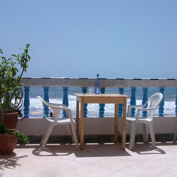 Eat on the terrace - Mirleft, Morocco, Large Beach House, for upto 10 - Mirleft - rentals