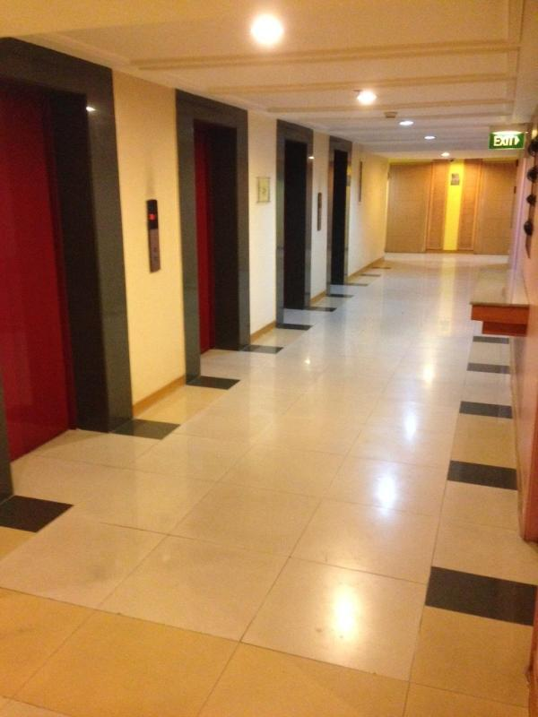 Hallway - 1BR Across Greenhills Shopping Center SanJuan City - Mandaluyong - rentals