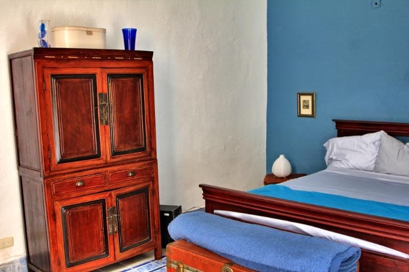 Bedroom - B&B La Pantera Negra Blue Room - Merida - rentals