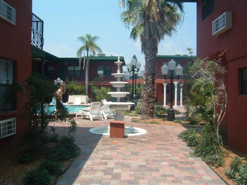 Complex - Condo on Quiet Beach Near Enterainment Areas - Redington Beach - rentals