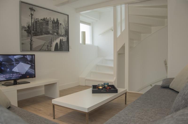 Kathirat Apartment - Central Station - Image 1 - Amsterdam - rentals