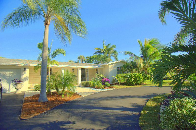 Fabulous Fort Lauderdale House with Heated Pool!!! - Image 1 - Fort Lauderdale - rentals